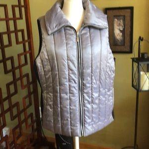 Chico's Zenergy vest /black and gray Sz 3/ large.